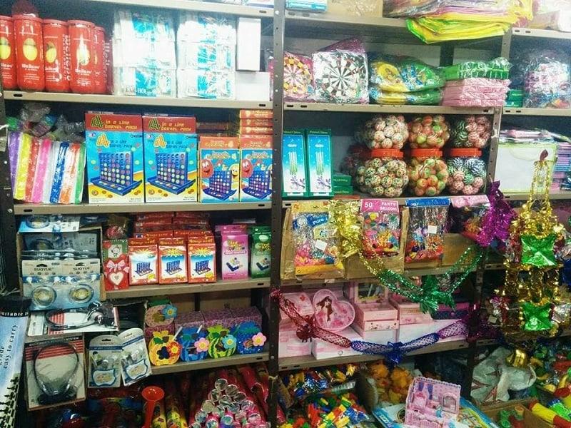 рынок игрушек