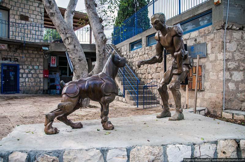 Деревня художников и скульпторов